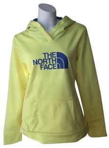 The North Face Gifts For Her Winter Wear Sweatshirt