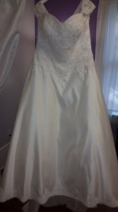 Sincerity Bridal Ivory 4553 Dress Size 16 (XL, Plus 0x)