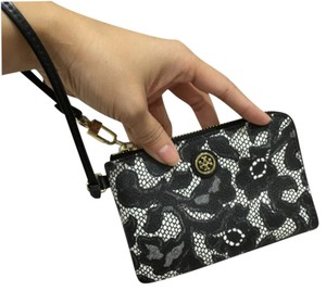 Tory Burch Wristlet in Lace black white