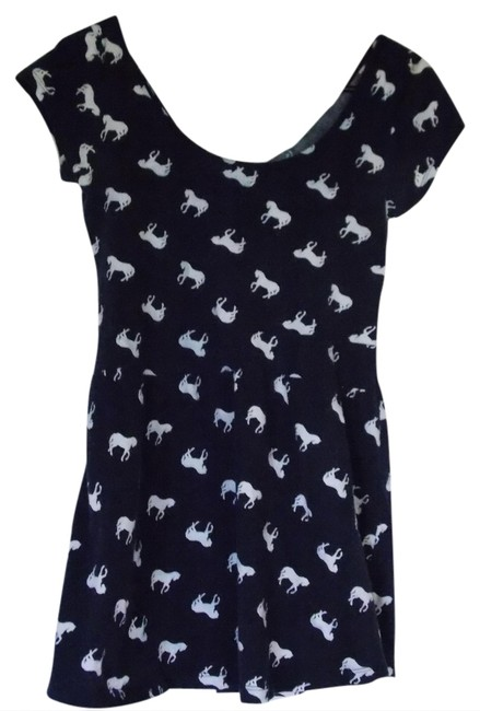 Preload https://item2.tradesy.com/images/kirra-navy-blue-horse-pac-sun-scoop-neck-short-sleeve-casual-blouse-size-16-xl-plus-0x-1011651-0-0.jpg?width=400&height=650