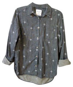 American Eagle Outfitters Denium Applique Button Down Shirt blue denium