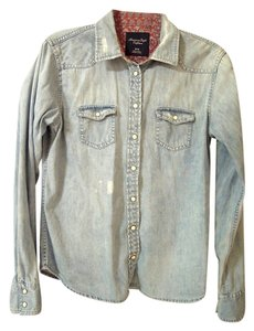 American Eagle Outfitters Button Down Shirt light blue