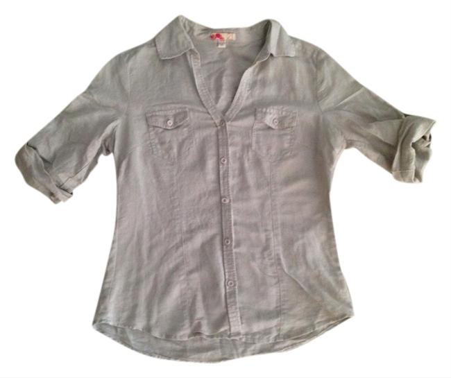 Preload https://item4.tradesy.com/images/forever-21-button-down-shortsleeve-button-down-shirt-1012333-0-0.jpg?width=400&height=650