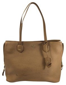 Tory Burch Robinson Zip Tote in Brown