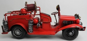 Red Figurines Art Metal Sculpture Carvings Die Cast Vintage Car Other