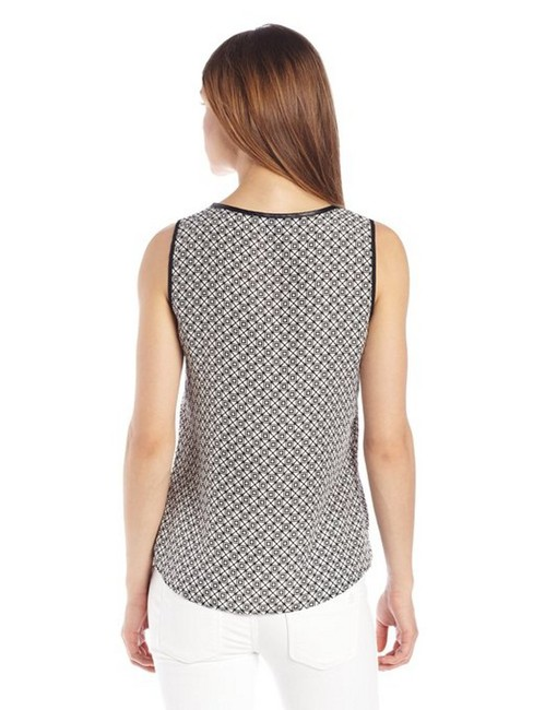 New York & Company Sleeveless Alluring Keyhole Unlined Front Button Top Black/White