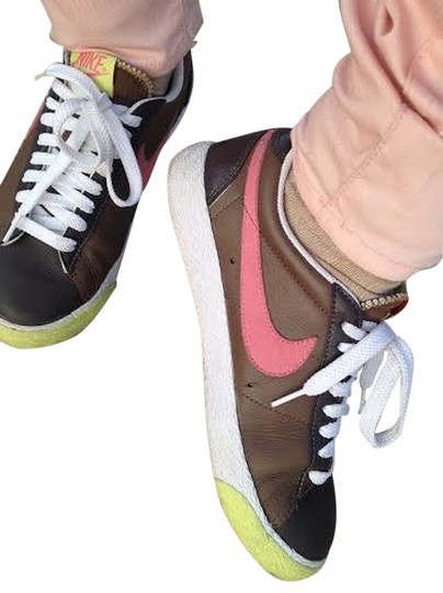 Nike Women's Sneakers Women Low Top Brown, White, Pink, & Yellow Athletic