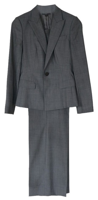 Preload https://img-static.tradesy.com/item/10141981/hugo-boss-gray-classic-tropical-wool-pant-suit-size-2-xs-0-2-650-650.jpg