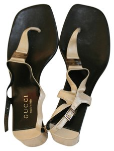 Gucci Vintage Black and Beige Sandals