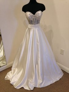 Allure Bridals 8904 Wedding Dress