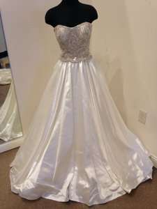 Allure Bridals Ivory/ Silver Satin C247 Formal Wedding Dress Size 8 (M)
