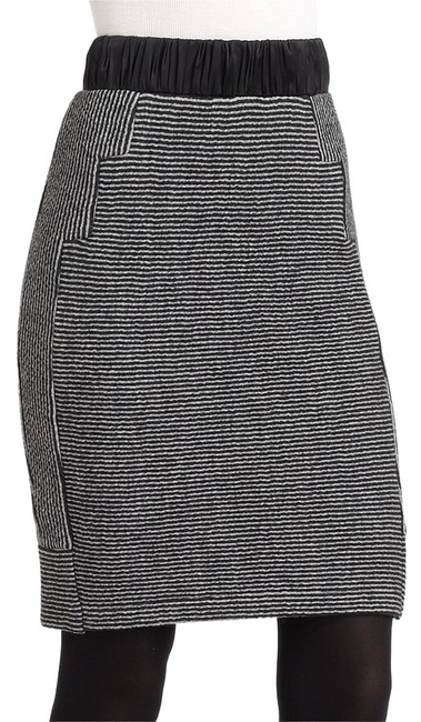 Preload https://item3.tradesy.com/images/vena-cava-new-gray-knit-striped-pencil-black-white-skirt-size-2-xs-26-10147552-0-1.jpg?width=400&height=650