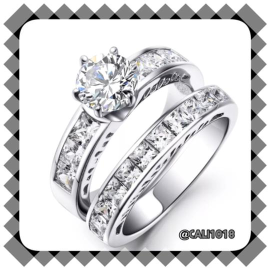 Preload https://img-static.tradesy.com/item/10148098/silver-women-s-wedding-band-set-0-0-540-540.jpg