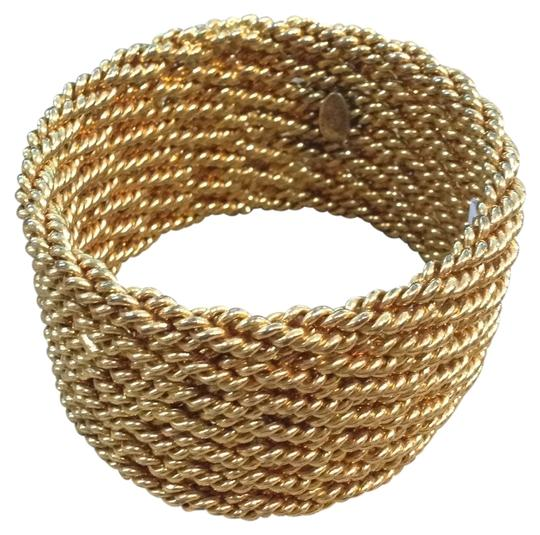 Preload https://img-static.tradesy.com/item/10148269/chanel-gold-tone-bracelet-0-1-540-540.jpg