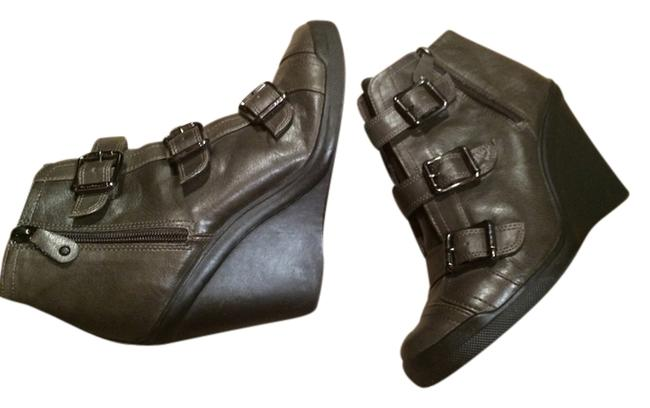 Item - Grey Buckled Ankle Sz. Boots/Booties Size US 8