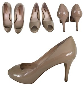 Tahari Open-toe Pump Nude/Beige/Tan Patent-leather Open-toe Pump Patent-leather Open-toe Pump Patent Leather Pumps Nude Beige Tan Platforms