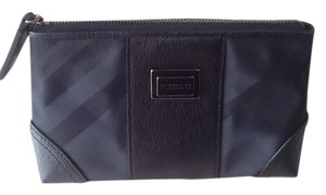 Burberry BURBERRY BLACK TOP ZIP CLOSURE COSMETIC CASE EXCELLENT CONDITION USED TWICE NO MARKS