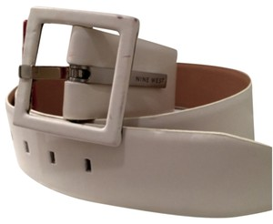 Preload https://item3.tradesy.com/images/nine-west-white-leather-square-buckle-belt-10160332-0-1.jpg?width=440&height=440