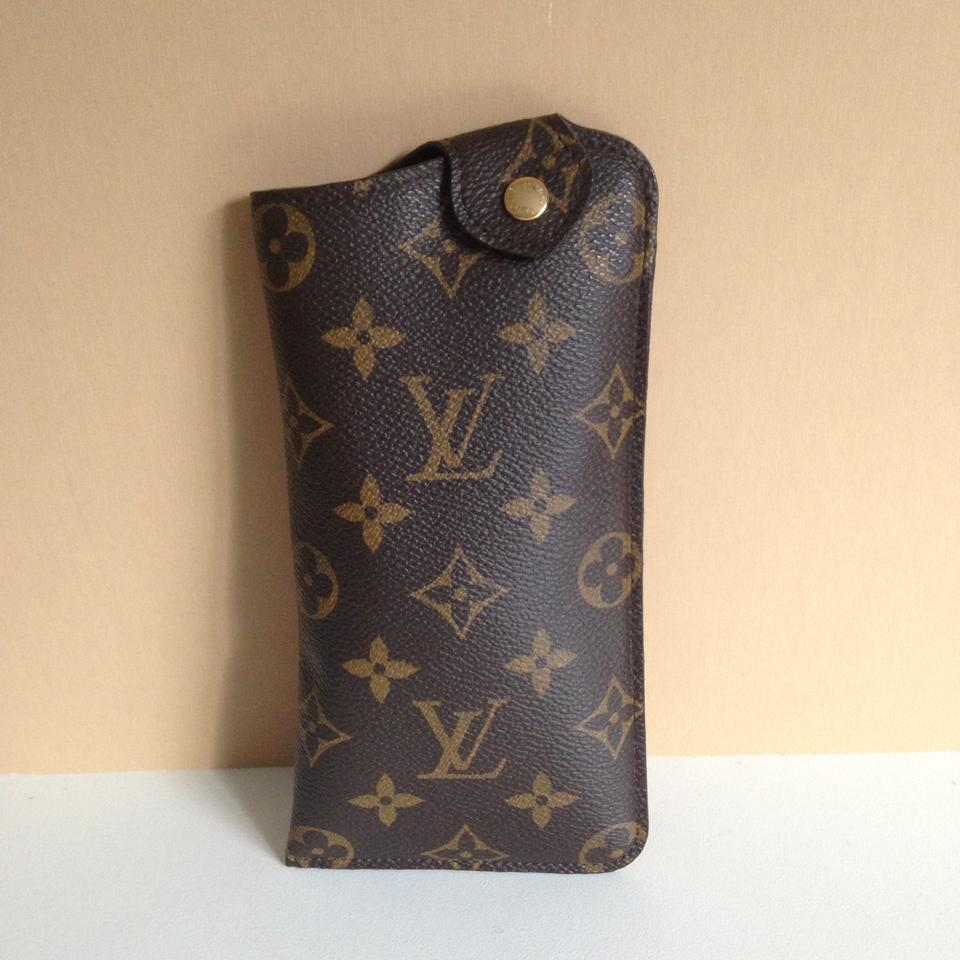 9921e599c043 Louis Vuitton Louis Vuitton Sunglass Case MM Monogram Canvas Pouch Image 0  ...