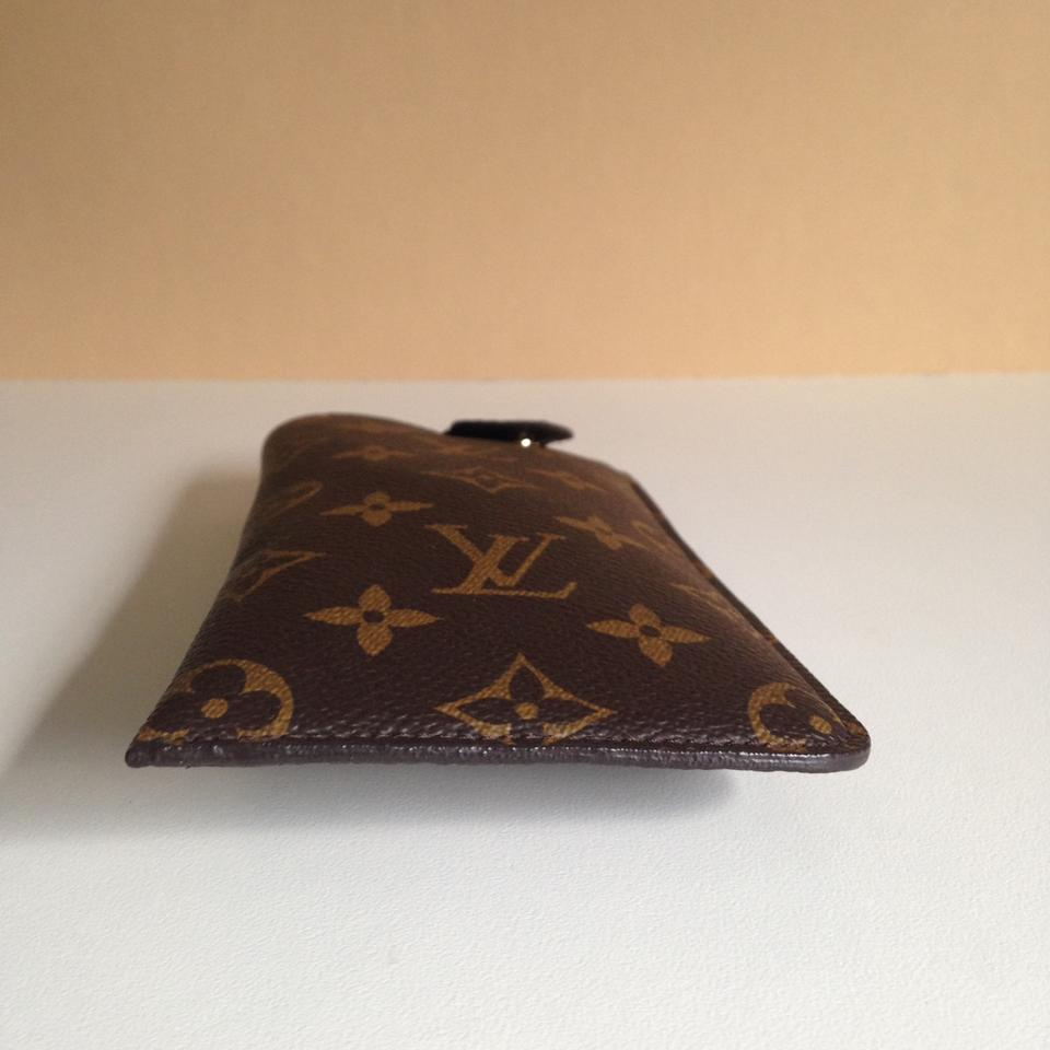 25167b12b40d Louis Vuitton Louis Vuitton Sunglass Case MM Monogram Canvas Pouch Image  10. 1234567891011