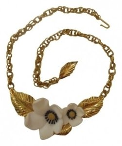Louis Feraud Vintage 80s Louis Feraud for Avon necklace