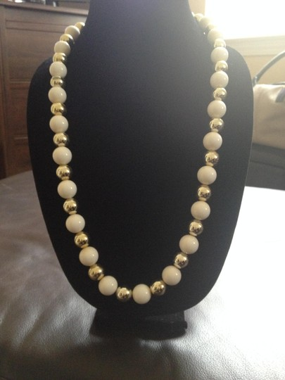 Other Vintage Gold/White Bead Necklace