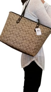 Coach Leather Trim Canvas Dimentional Textured Effect Signature Tote in Ll/khaki/brown