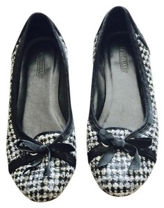 Seychelles Black and white tweed Flats