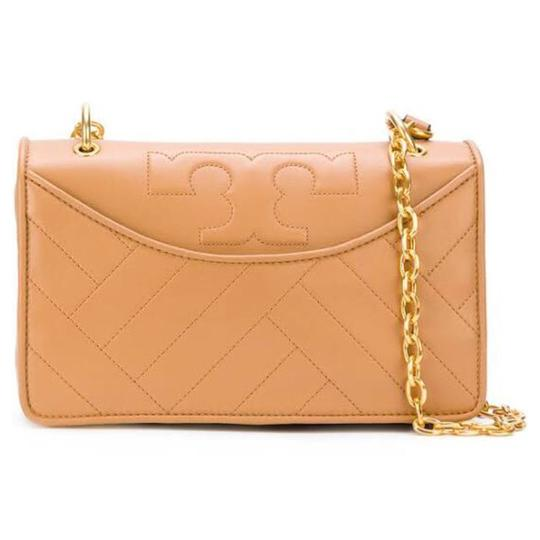 Preload https://img-static.tradesy.com/item/10164007/tory-burch-alexa-quilted-leather-shoulder-bag-0-1-540-540.jpg