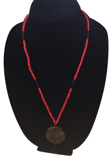 Other Vintage red black brown green bead round pendent bead dangle necklace