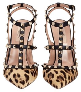Valentino Leopard Tan/Black Pumps