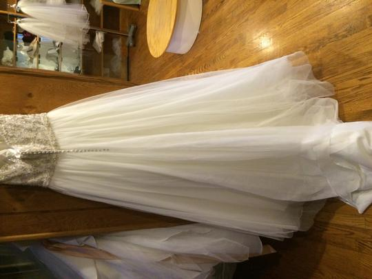 Mori Lee Ivory/Silver Tulle and 2775 Traditional Wedding Dress Size 8 (M)