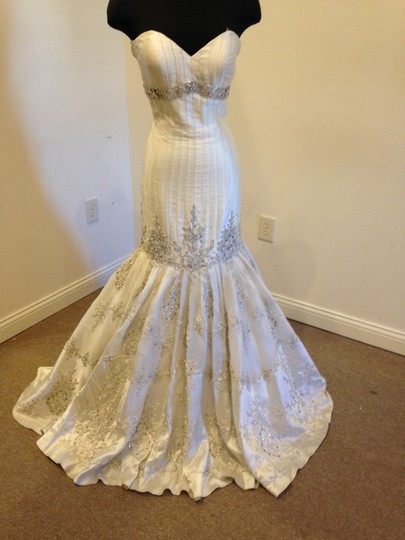 Preload https://item5.tradesy.com/images/stephen-yearick-off-white-silk-dupioni-charlizl-vintage-wedding-dress-size-10-m-10166974-0-1.jpg?width=440&height=440