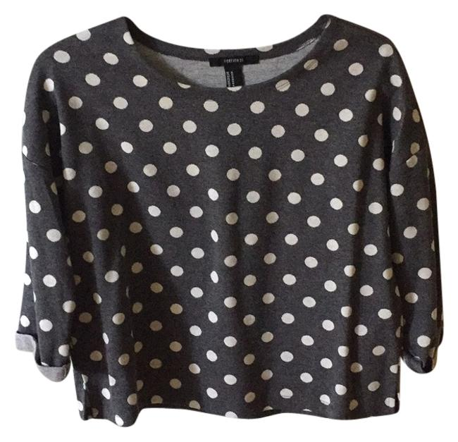 Preload https://item1.tradesy.com/images/forever-21-gray-cropped-polka-dot-swearer-sweatshirthoodie-size-8-m-10170160-0-1.jpg?width=400&height=650