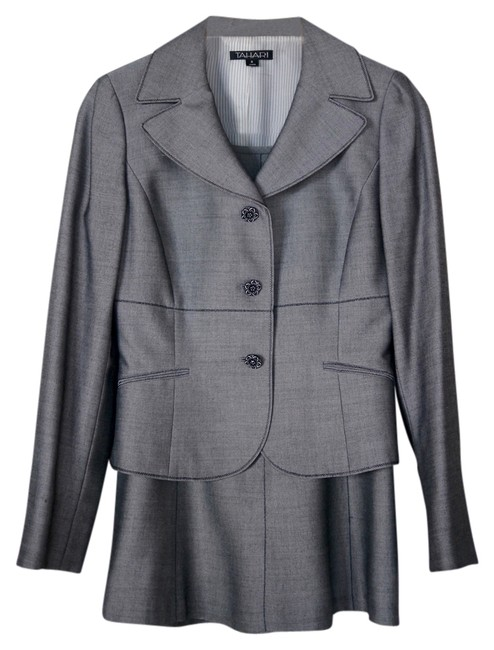 Preload https://img-static.tradesy.com/item/10170544/tahari-gray-day-to-evening-skirt-suit-size-2-xs-0-1-650-650.jpg