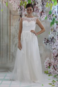 New Design Lace Applique With Crystal Beadings Wedding Dress Scoop Neck Bridal Gown Wedding Dress