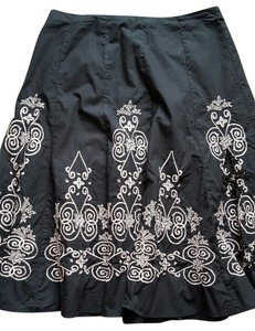 Sunny Leigh Embroidered Skirt Black/Pink