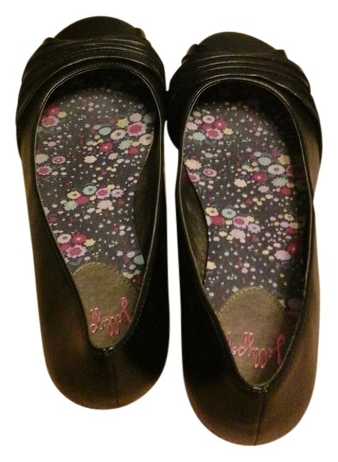 Item - Black Dovewing Smooth Flats Size US 9