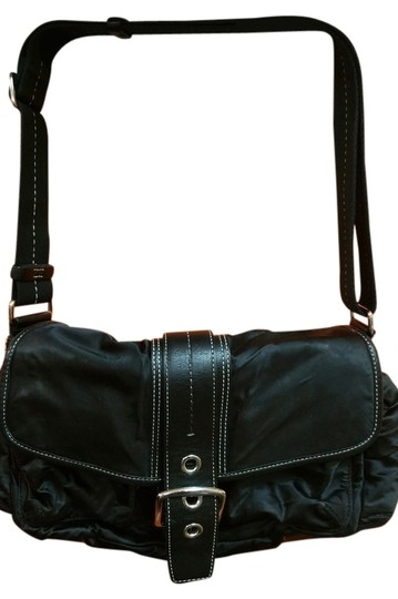 Preload https://img-static.tradesy.com/item/10174309/coach-leather-and-nylon-black-shoulder-bag-0-1-540-540.jpg