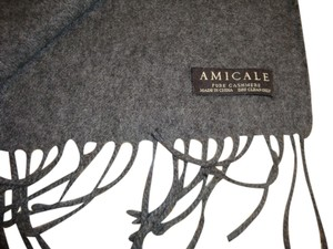 Amicale Cashmere Amicale Cashmere gray scarf