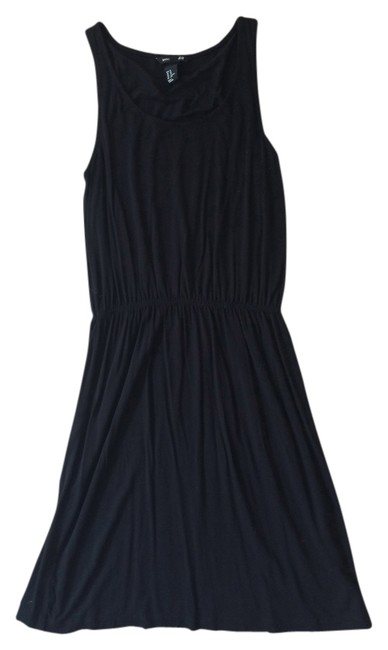 Preload https://item3.tradesy.com/images/h-and-m-black-above-knee-short-casual-dress-size-2-xs-1017832-0-0.jpg?width=400&height=650
