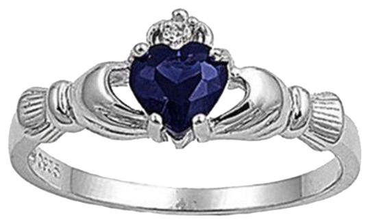Preload https://img-static.tradesy.com/item/10179142/silversapphire-bnwot-claddagh-size-9-ring-0-1-540-540.jpg