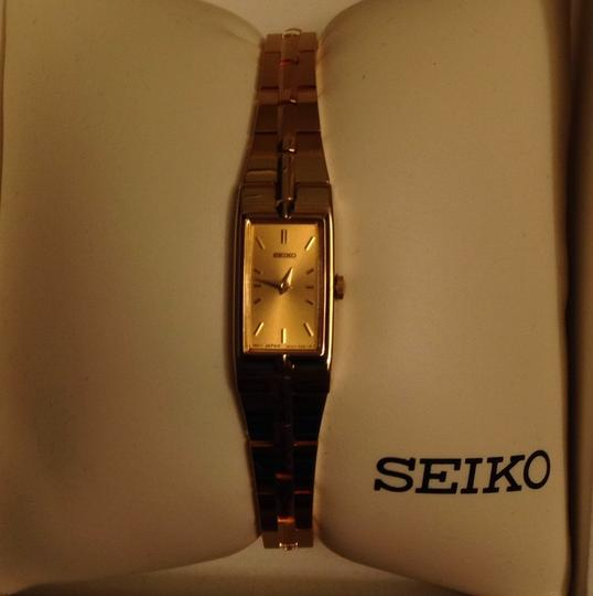 Preload https://item1.tradesy.com/images/seiko-gold-slim-never-worn-watch-10183195-0-1.jpg?width=440&height=440