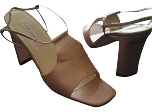 Ann Marino Gold/Tan Sandals