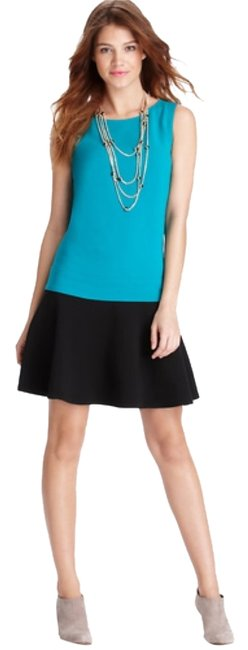 Preload https://img-static.tradesy.com/item/10190656/ann-taylor-loft-green-colorblocked-flounce-short-casual-dress-size-petite-8-m-0-1-650-650.jpg