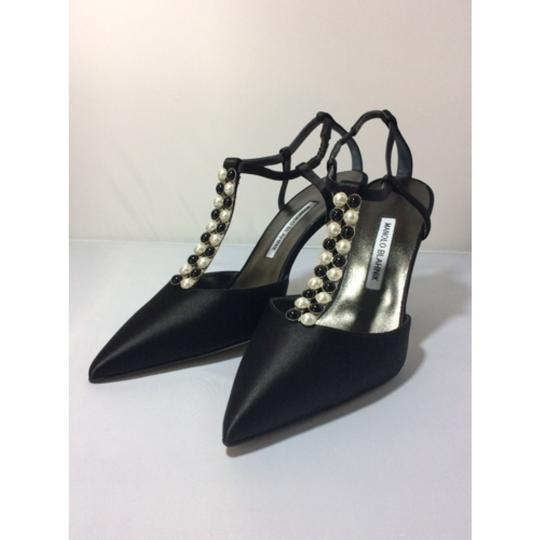 Manolo Blahnik Black Pumps Image 4