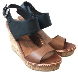 DV by Dolce Vita Cognac/Black Wedges