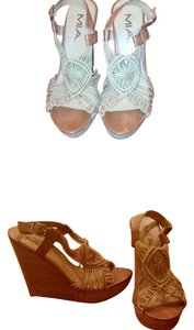 Mia Shoes brown and tan Wedges