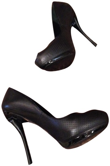 Preload https://item3.tradesy.com/images/georgina-goodman-black-double-hearts-forever-classic-iconic-pumps-size-us-8-regular-m-b-10198747-0-8.jpg?width=440&height=440