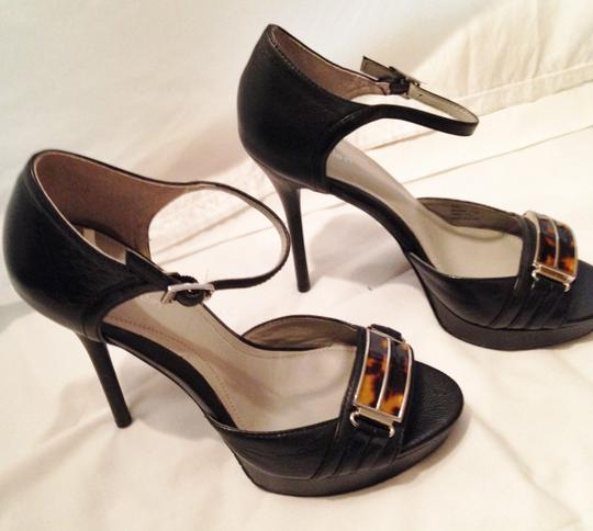 Calvin Klein Peep Toe Pump Ankle Strap black leather/tortoise Sandals